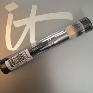 NEW- IT Cosmetics Hvnly Luxe Complexion Perfection